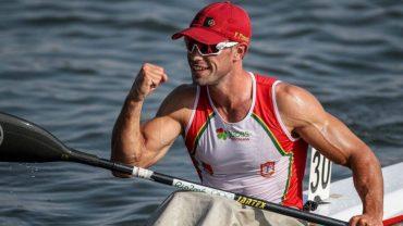 Fernando Pimenta numa canoa